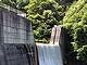 砂防ダムに穴を開ける? 水を貯めないダムで水力発電
