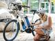 """燃料電池""""自転車""""が登場、空気を取り込んでペダルをアシストする"""