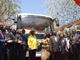 アフリカ初の太陽光発電で動くバス、ウガンダで始動