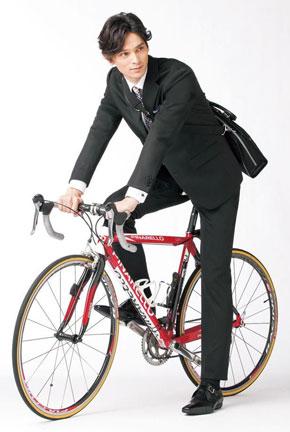 自転車の 通勤用自転車 女性 : AOKIは、自転車通勤用スーツ ...