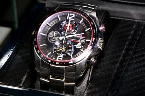 c63c3558be BASEL WORLD 2013:F1 レッドブル・レーシングのピットクルーが腕時計に ...