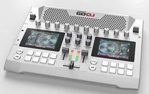 音楽とは無縁だった半導体エンジニアが創り出したA4サイズのポータブルDJシステム