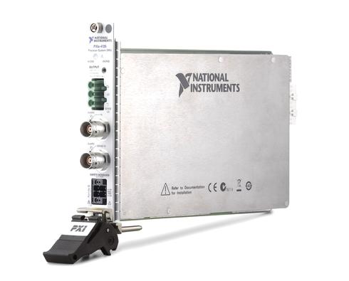 10fAの測定感度を実現したPXI対応のSMU「NI PXIe-4135」