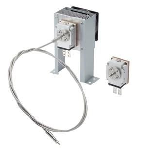 左=ファイバーカップリング式808nm帯半導体レーザー「ハイパワーVCSELモジュール」にファイバーと空冷装置を装着/右=ハイパワーVCSELモジュール