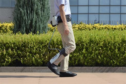 装着型歩行補助装置「RE-Gait」