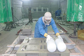 ブラスト加工、溶射×塗装で鉄を100年間守る