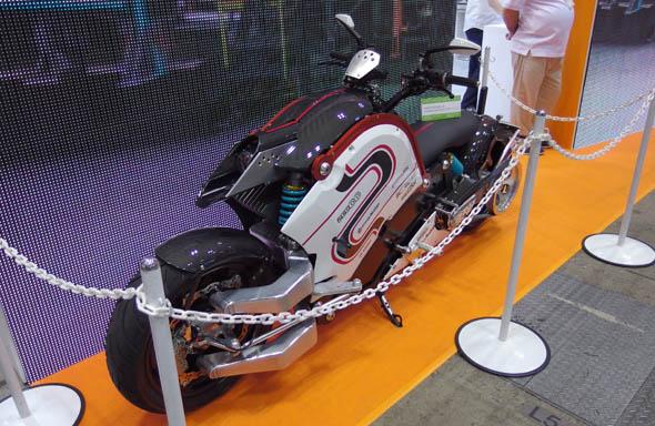 電動バイク「zecOO(ゼクー)」
