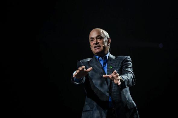 「LiveWorx 2017」の基調講演に登壇したPTC 社長兼CEOのジェームズ・E・ヘプルマン(James E. Heppelmann)氏(提供:PTC)