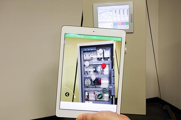 EcoStruxure Augment Operator Advisorを利用した制御盤の保安作業例