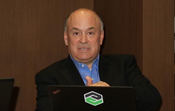 米PTC社長兼CEOのジェームス・E・ヘプルマン