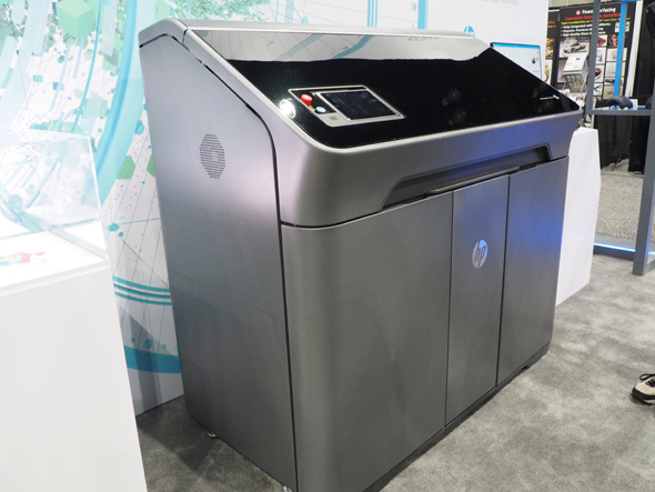 米HPが「SOLIDWORKS WORLD 2018」の開催に併せて発表した、新しい3Dプリンタ「JetFusion 300/500シリーズ」