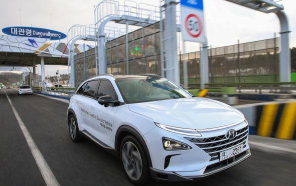 現代自動車の燃料電池車「NEXO」