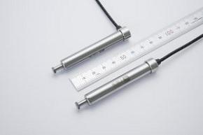 (左)位置センサー「MEL1007-L」、(右)「MEL1007-SF」 出典:村田機械