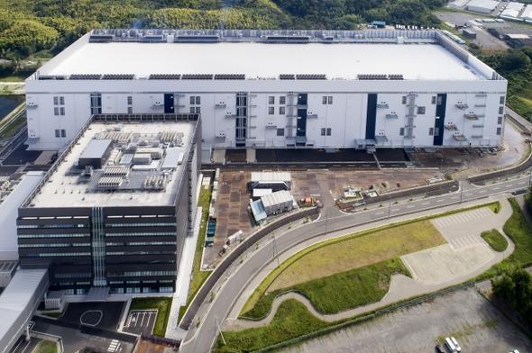 東芝メモリ 四日市工場の第6製造棟とメモリ開発センター