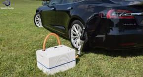 SparkChargeが開発するEV用のポータブル高速充電ユニット