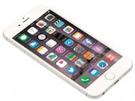 iPhone 6(写真はシルバー)