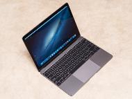 最新の「MacBook」はとても薄いが故にType-CのUSBの採用した