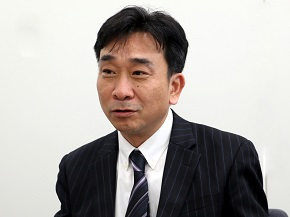 野村栄司氏